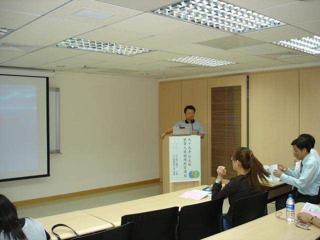 林齊宣副院長分門別類為學員們介紹各種高山疾病的預防方式及治療方式
