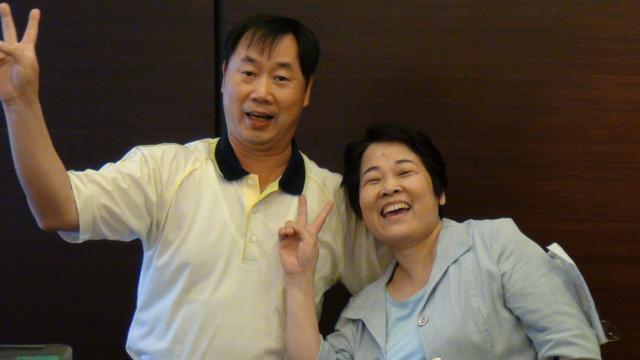 分組上台驗收時間 - 朱金玉常務理事賢伉儷進行合唱