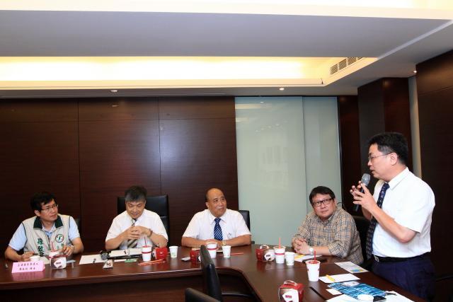 黃雋恩常務理事就高診次及長期照顧等多元化的領域說明藥師專業的重要性