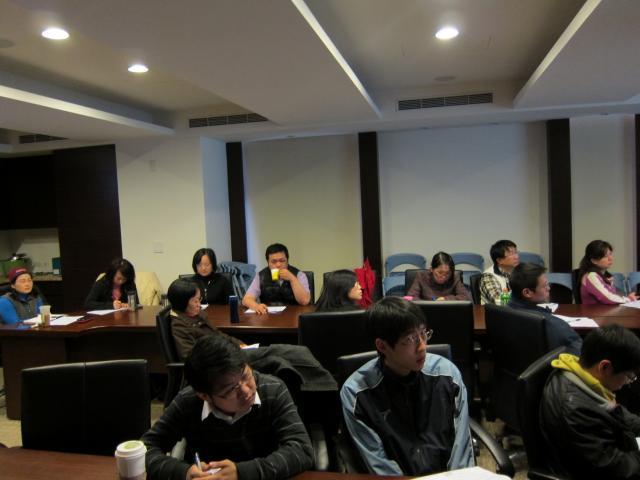 許有杉顧問透過投影片的內容與學員們分享並建立「商品計劃」的概念