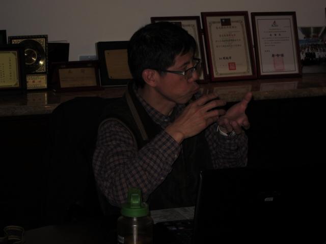 林瑞興老師另外也提到單眼相機及外接閃燈配合後的效能