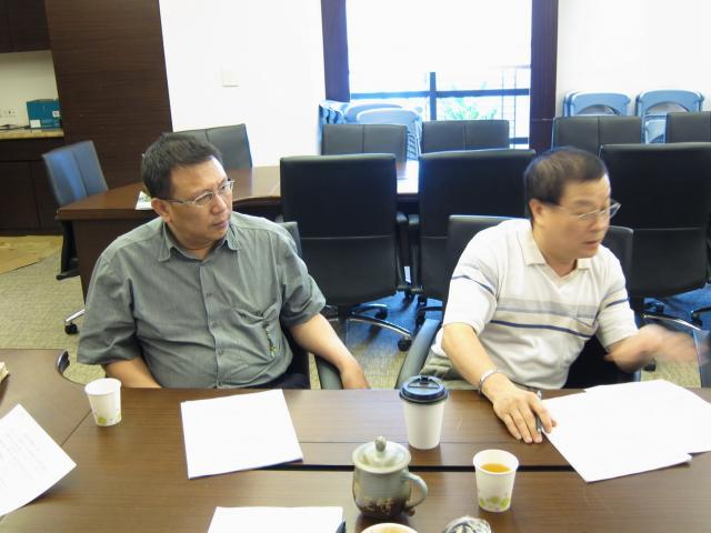 陳楷模常務理事(圖左)及蘇國欽常務理事(圖右)出席本次會議,並針對地方配合款申請案內容進行說明與討論