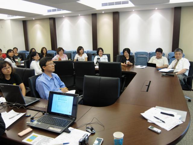本次月例會也邀請吳如琇老師及王明賢老師出席指導高診次藥師們