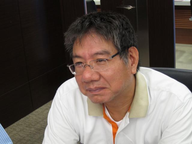 本會陳坤波理事出席座談會,就目前調劑處方藥所面臨的稅務問題進行說明,期待官員們能給予一個合理的解釋