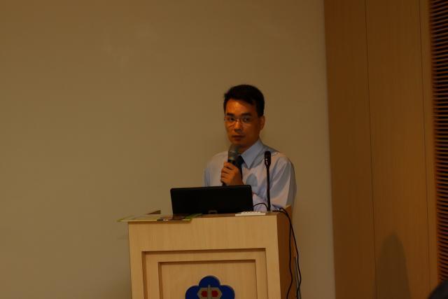 早上第二堂課由廖勝嘉協理為學員們帶來「中藥局管理與實務探討」的課程