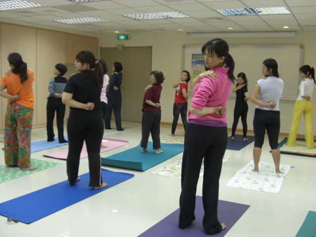 瑜珈課程 - 腰扭轉式